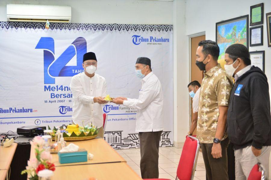Gubri Syamsuar Ucapkan Tahniah ke-14 Tribun Pekanbaru