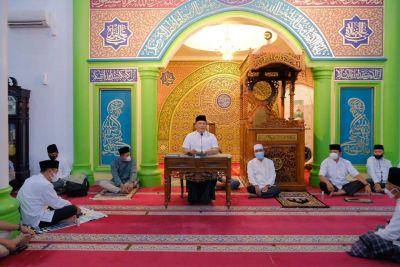 Kapolda Riau Bersama Rombongan Safari Ramadhan di Masjid Raya Ittihadul Ummah Pandau